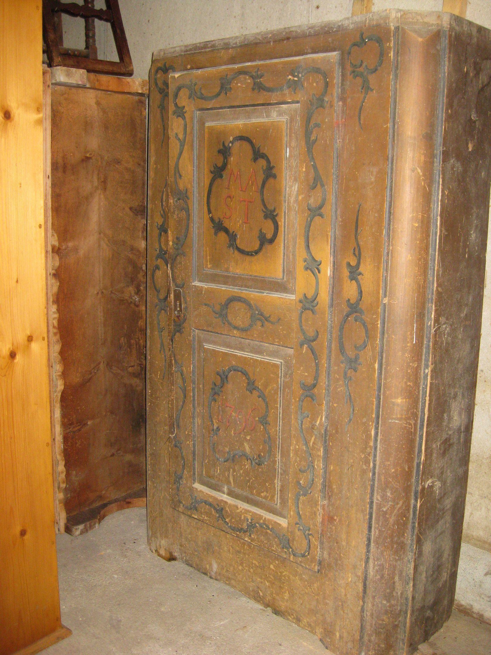 Meubles anciens for Restaurer meuble ancien
